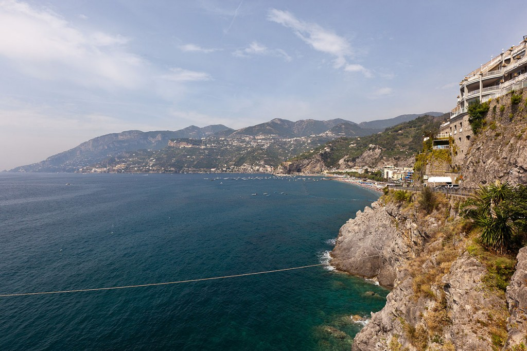 By jimmyweee (Amalfi Coast) [CC BY 2.0 (http://creativecommons.org/licenses/by/2.0)], via Wikimedia Commons