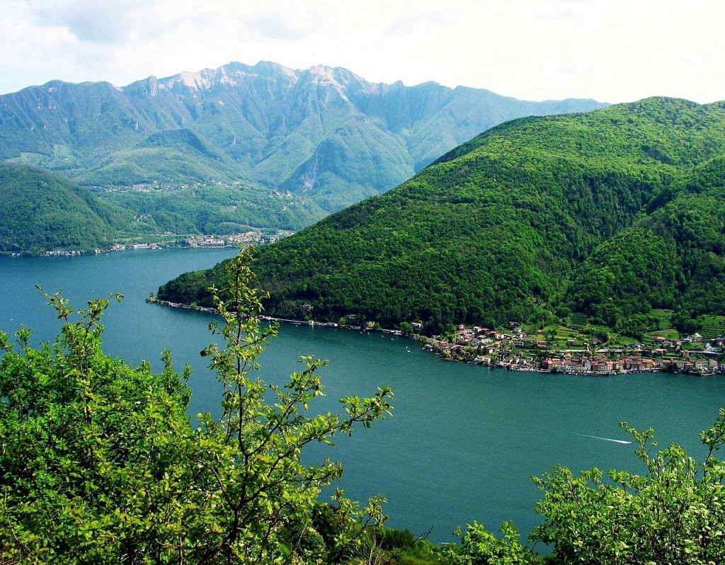 By MadGeographer (File:Lago di Lugano2.jpg colors slightly corrected) [CC BY-SA 3.0 (http://creativecommons.org/licenses/by-sa/3.0) or GFDL (http://www.gnu.org/copyleft/fdl.html)], via Wikimedia Commons