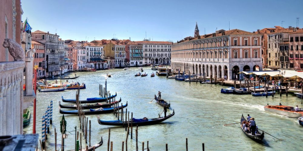 Venice   the invention of public theatre